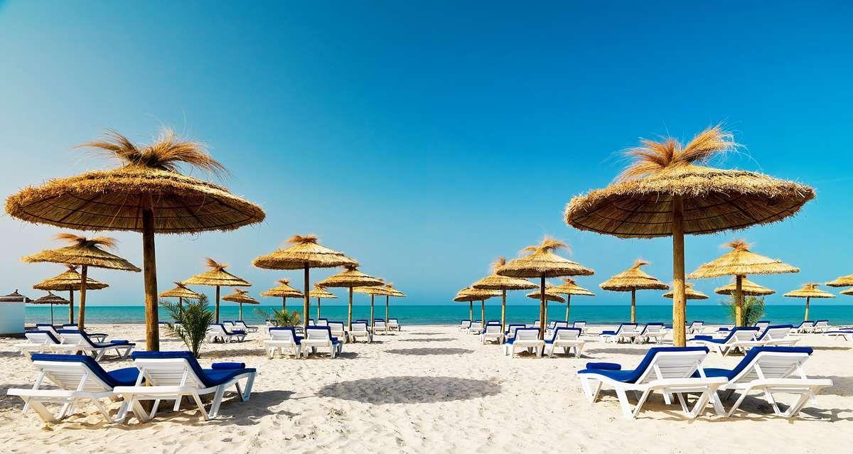 Отличный тур с вылетом из Москвы в Тунис за 15900 рублей