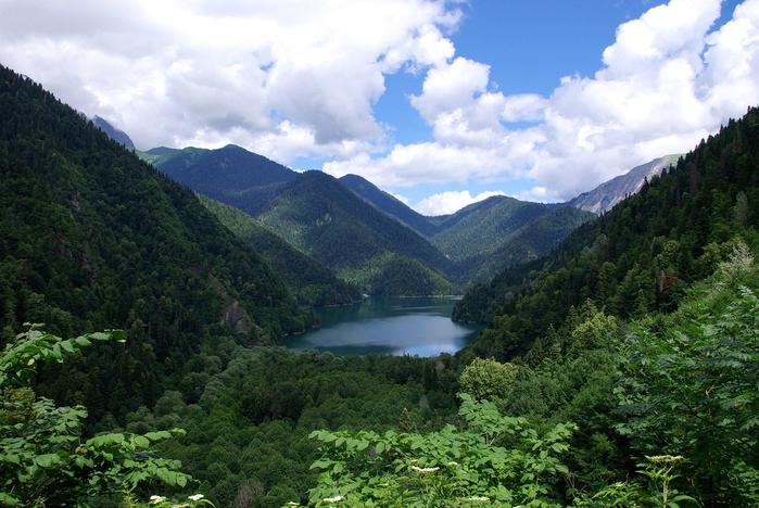 Отличный тур из Петербурга в Абхазию на 10 дней всего за 9900 рублей