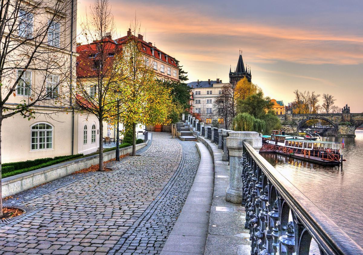 Горящий тур в Прагу из Петербурга