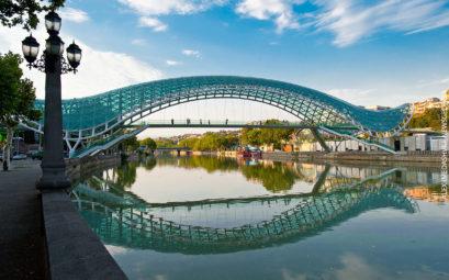 Выгодные билеты из Петербурга в Тбилиси и обратно за 7695 рублей