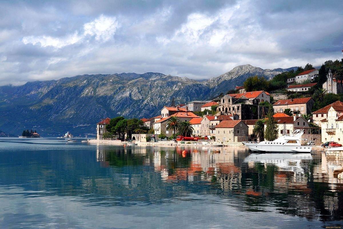 Горящие туры из Петербурга в Черногорию в сентябре за 21700 рублей