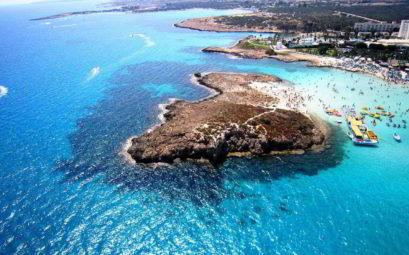 Бюджетный тур из Петербурга на Кипр